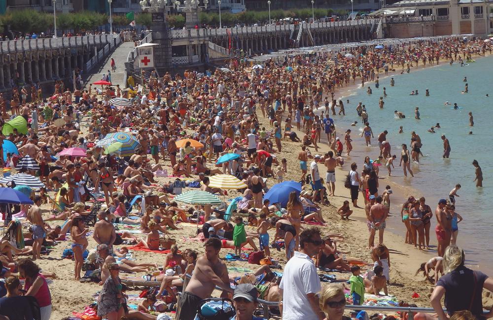 スペイン、サン・セバスティアンで見かけたビーチ。